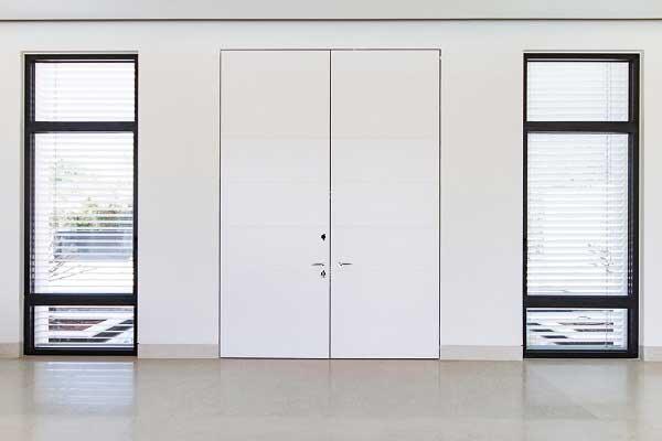 דלת כניסה לבית פרטי