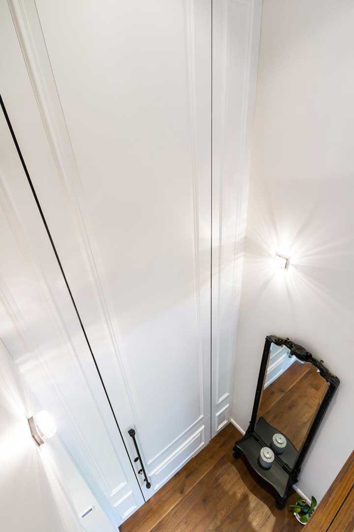 דלת כניסה גבוהה